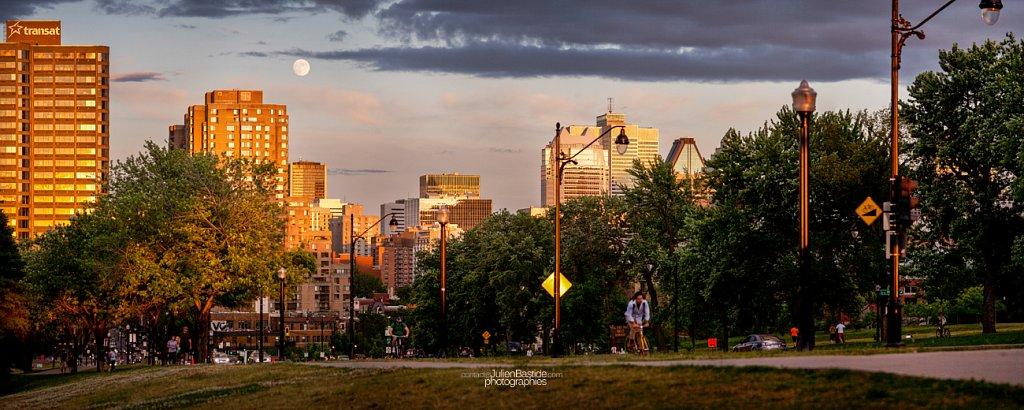 Lever de lune sur Montréal